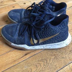 Nike Youth Kyrie Low Top Basketball Shoes